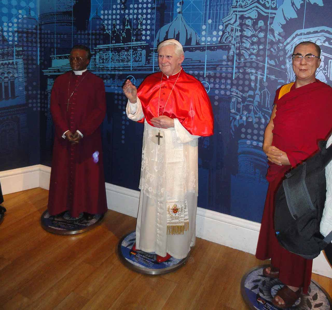 Wax statues at Madam Tussauds