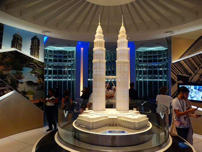 Model of twin towers on 86th floor